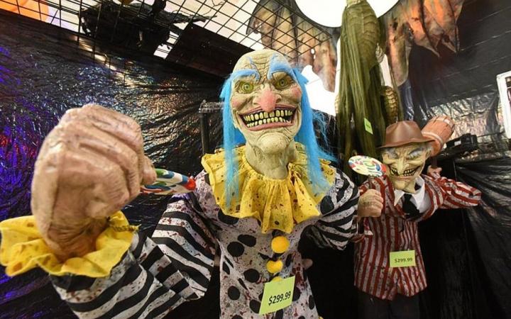 Thị trường đồ hóa trang Halloween 2020 sôi động bất chấp COVID -19 - 1