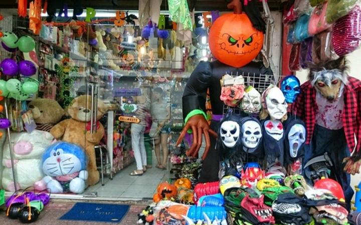 Thị trường đồ hóa trang Halloween 2020 sôi động bất chấp COVID -19 - 2