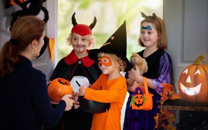 Thị trường đồ hóa trang Halloween 2020 sôi động bất chấp COVID -19 - 4