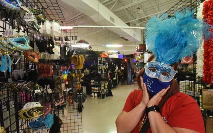 Thị trường đồ hóa trang Halloween 2020 sôi động bất chấp COVID -19 - 5