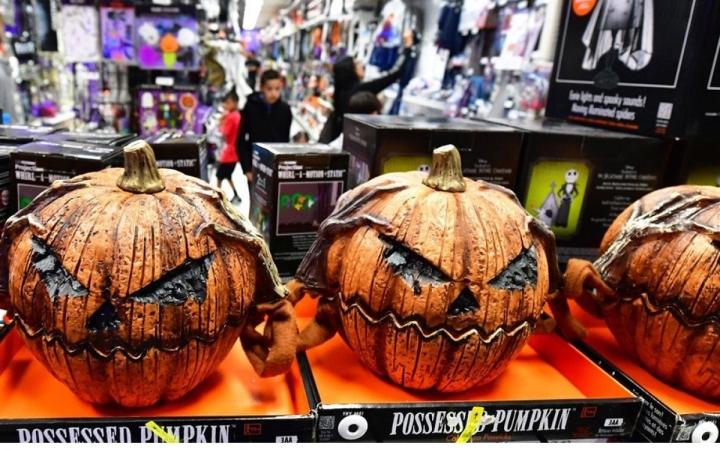 Thị trường đồ hóa trang Halloween 2020 sôi động bất chấp COVID -19 - 7