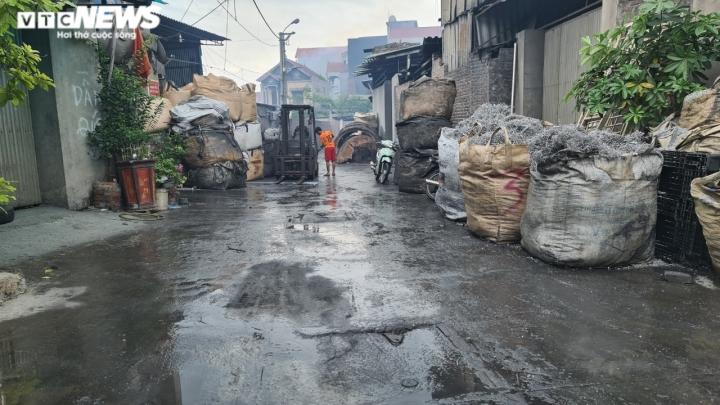Nỗi ám ảnh không khí nồng nặc hóa chất của người dân 'làng ung thư' ở Bắc Ninh - 7