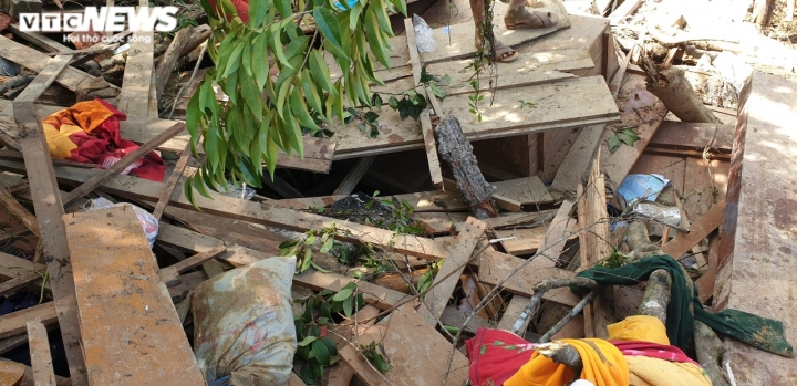 Ảnh: Tan hoang cảnh sạt lở vùi lấp 11 ngôi nhà khiến 19 người chết và mất tích - 3