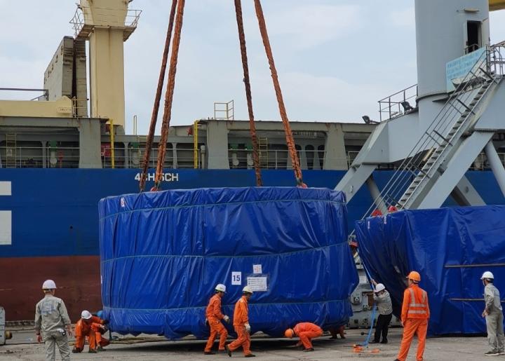 Cận cảnh xếp dỡ robot đào hầm metro Nhổn - ga Hà Nội tại cảng Hải Phòng - 4