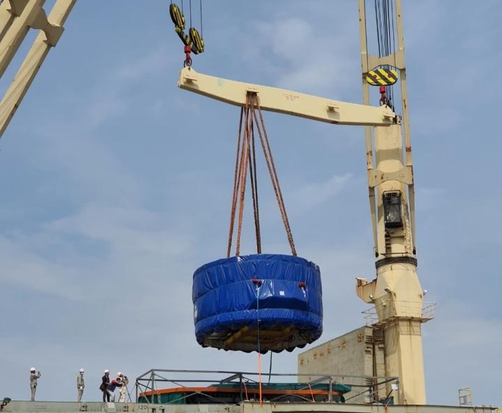 Cận cảnh xếp dỡ robot đào hầm metro Nhổn - ga Hà Nội tại cảng Hải Phòng - 1