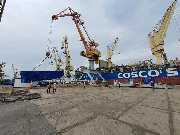 Cận cảnh xếp dỡ robot đào hầm metro Nhổn - ga Hà Nội tại cảng Hải Phòng - 5