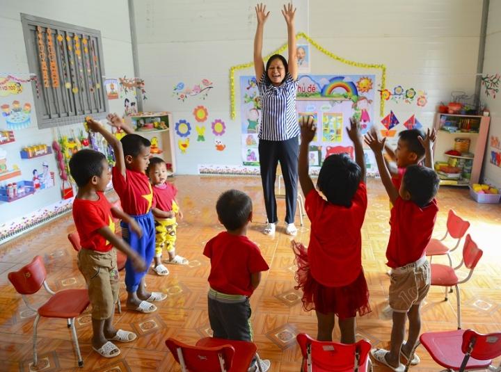 Cô giáo 17 năm bám bản, giải cơn 'khát chữ' cho học trò Điện Biên - 2