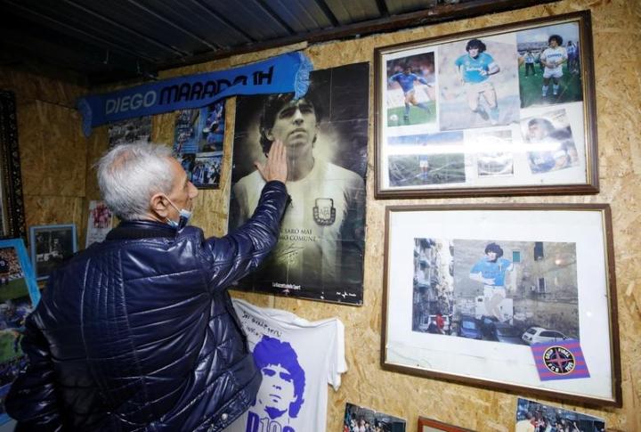 Maradona qua đời: Argentina tổ chức Quốc tang 3 ngày, CĐV đau đớn khóc thương - 10