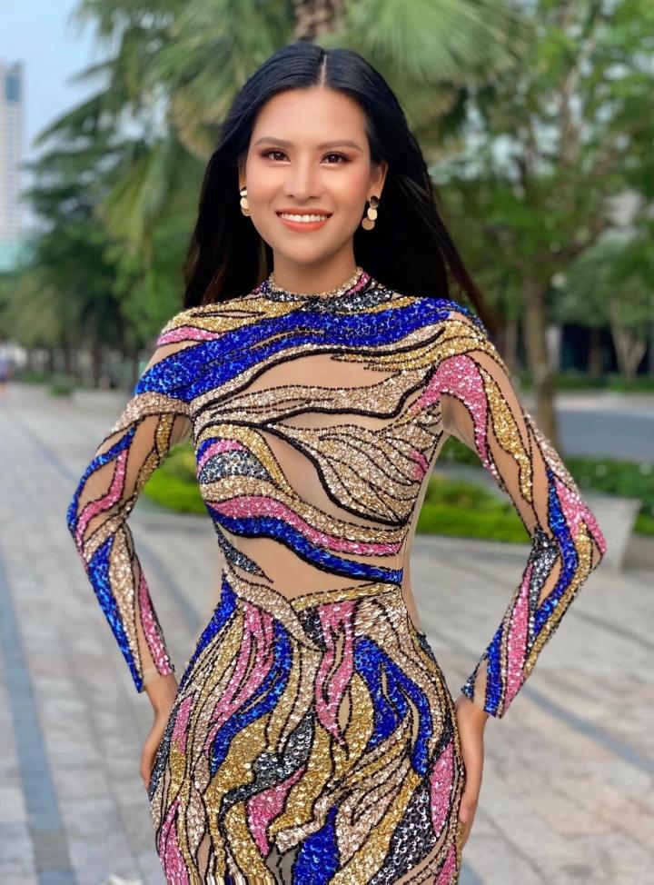 Thái Thị Hoa giành giải về Trang phục dạ hội tại Hoa hậu Trái đất - 1