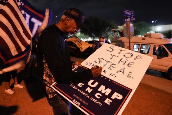 Tòa cho phép ông Trump đưa ra bằng chứng, có thể lật ngược kết quả bang Nevada - 1