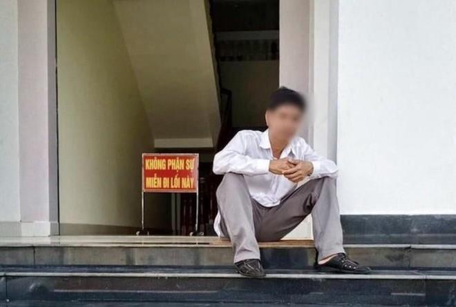 Bị cáo nhảy lầu tự tử ở TAND tỉnh Bình Phước: Đình chỉ điều tra vụ án - 1