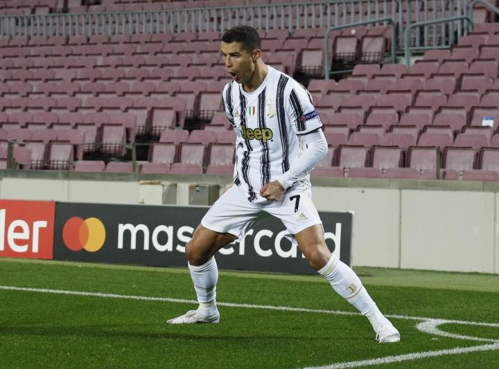 Kết quả Champions League: Ronaldo che mờ Messi, Juventus đè bẹp Barca 3-0  - 1
