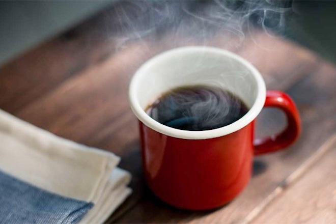 Cơ thể phản ứng thế nào khi uống cà phê mỗi ngày? - 1