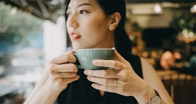 Cơ thể phản ứng thế nào khi uống cà phê mỗi ngày? - 2