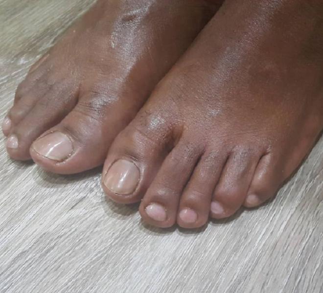 Mẹo hay giúp đôi bàn chân luôn nuột nà, hoàn hảo bất chấp giá rét - 6