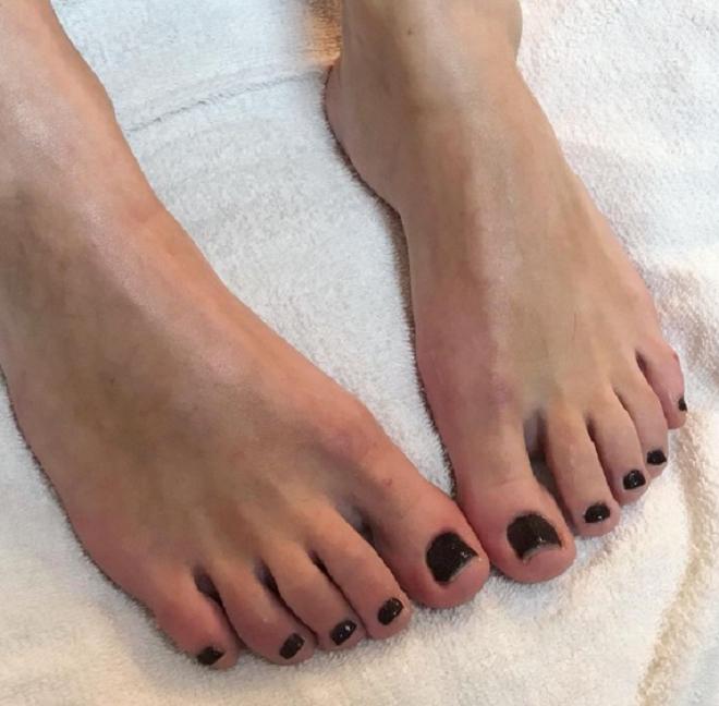 Mẹo hay giúp đôi bàn chân luôn nuột nà, hoàn hảo bất chấp giá rét - 7