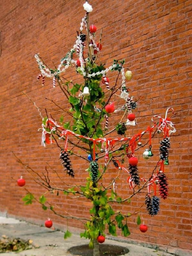 Chết cười xem những cây thông Noel xấu xí đến mức thảm họa - 2