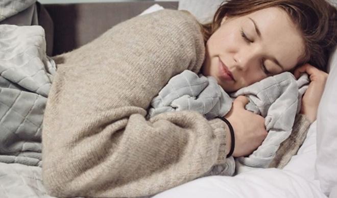 5 thói quen xấu trong mùa đông gây hại sức khỏe, tăng nguy cơ đột tử - 1