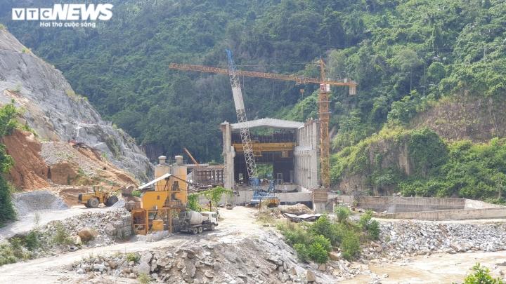 Quảng Nam 'ngốn' 1.500 hecta đất rừng để xây dựng 46 thủy điện - 2