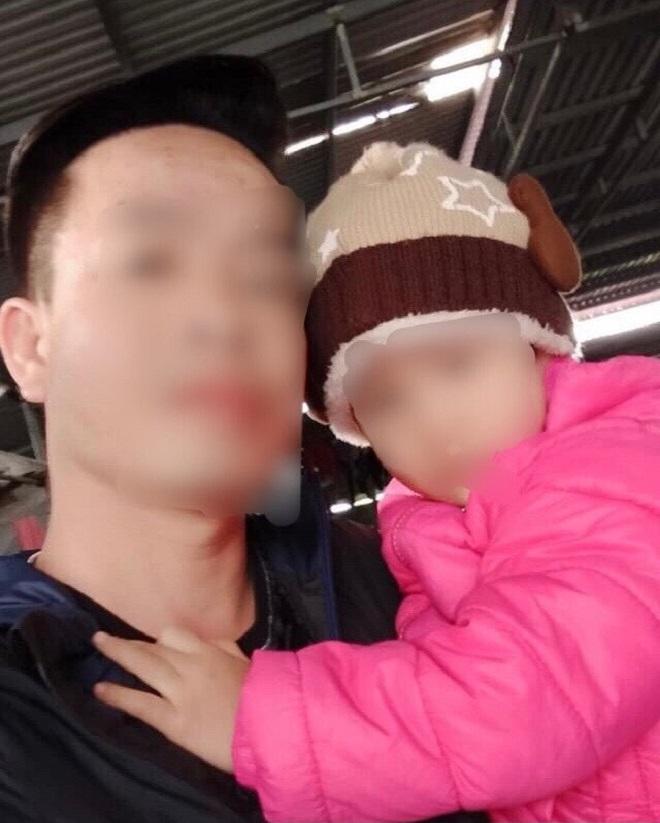 Hải Phòng: Xót xa bé 3 tuổi bị bỏ rơi trong đêm lạnh - 1