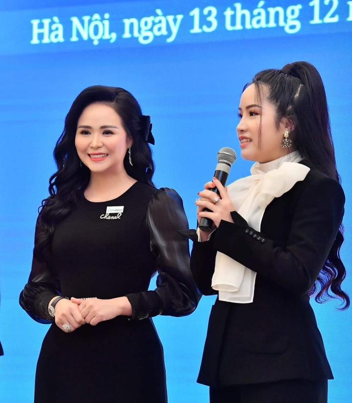 Doanh nhân Đỗ Hương Ly bất ngờ xuất hiện cùng Hoa hậu Hương Giang - 2
