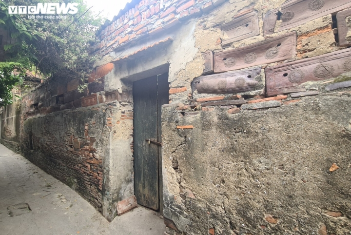 Độc đáo những bức tường cổ xây bằng mảnh chum, tiểu sành ở làng Thổ Hà - 11