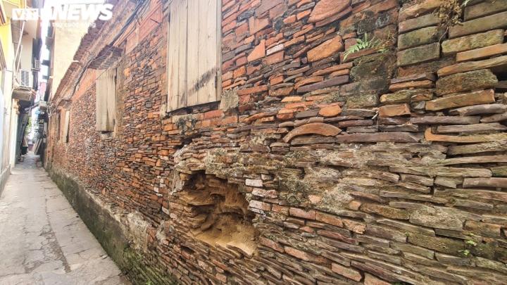 Độc đáo những bức tường cổ xây bằng mảnh chum, tiểu sành ở làng Thổ Hà - 8