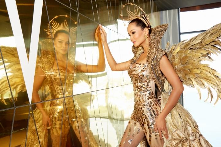 Vẻ đẹp quyền lực của Hoa hậu H'Hen Niê trong tạo hình nữ thần Mặt trời - 2