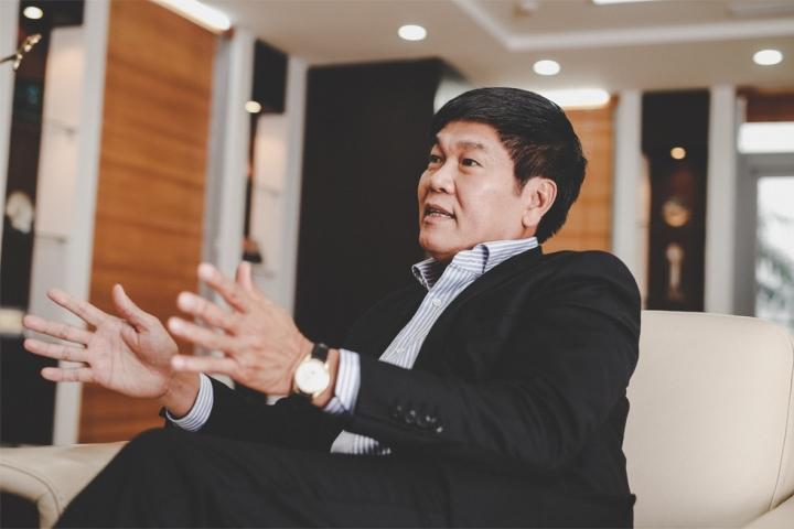 Cổ phiếu Hòa Phát lập đỉnh, 'ông trùm thép' Trần Đình Long kiếm 18.000 tỷ đồng - 1