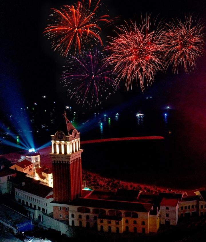 New Year Countdown 2021 Nam Phú Quốc: Không gian nghệ thuật đẳng cấp xứng tầm - 10