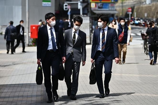 ژاپنی ها فقیرتر می شوند - 1
