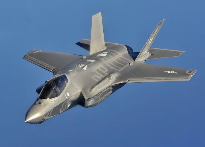 فروش هواپیمای مخفی آمریکایی F-35 به دلیل COVID-19-1 کاهش یافت