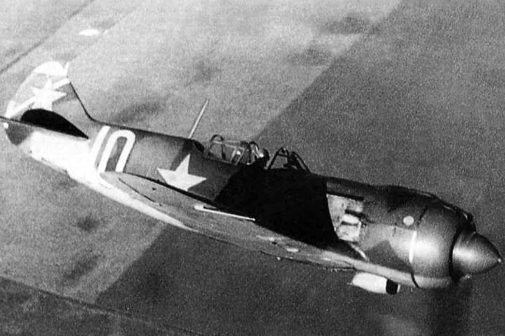 در مورد خلبانان اتحاد جماهیر شوروی 9 بمب افکن نازی سرنگون شده اند - 1