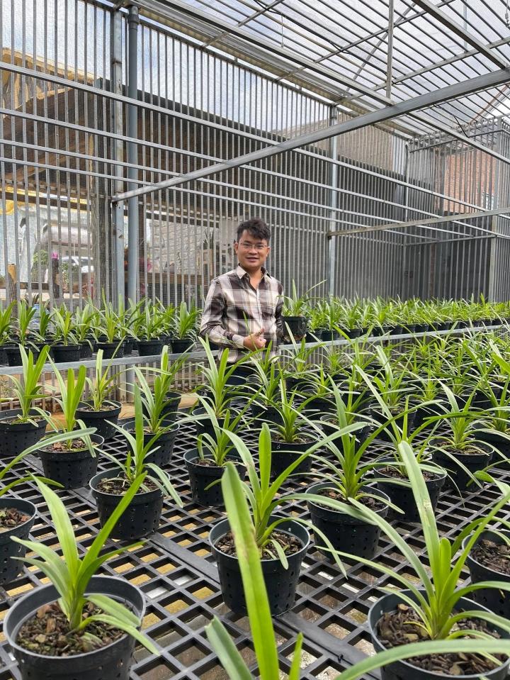 Đàm Rồng Nghệ – chàng trai 8X bỏ kinh doanh để nuôi trồng hoa lan - 2