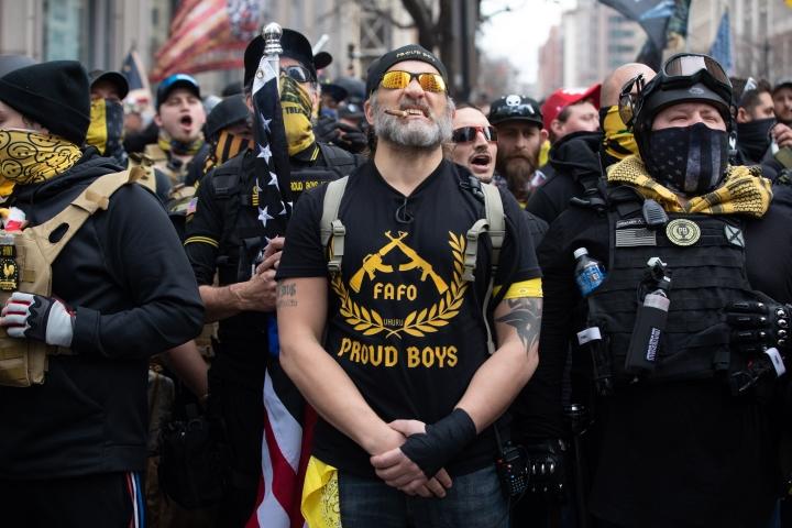 خطر شورش در واشنگتن ، قانونگذاران آمریكایی دستورالعمل های فوری دریافت می كنند - 1