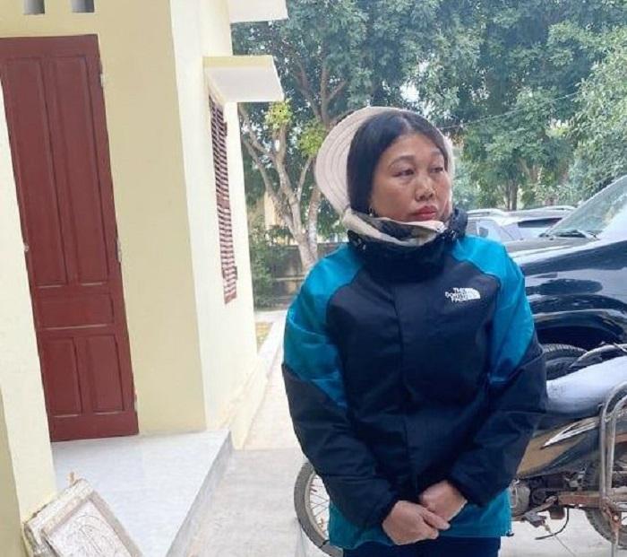Bắt giữ người phụ nữ dùng xe máy vận chuyển 100 thỏi thuốc nổ đi tiêu thụ - 1