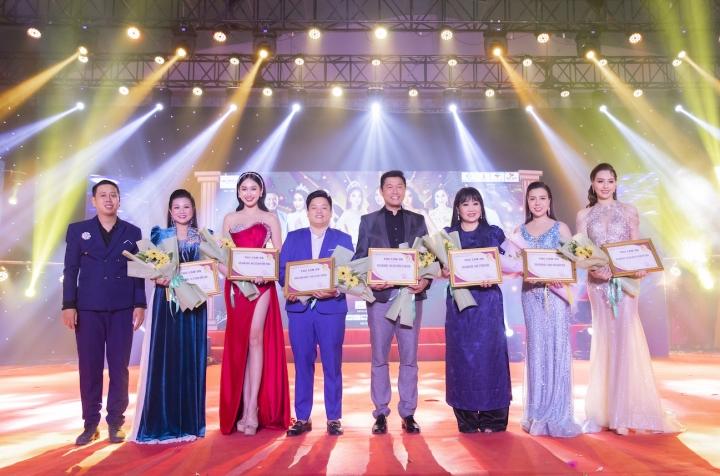 Bùi Kim Thảo đăng quang Nét đẹp công sở 2020 - 2