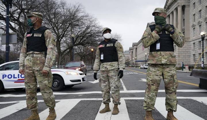آمریکا گارد ملی را برای سرکوب شورش ها به واشنگتن فرستاد - 1