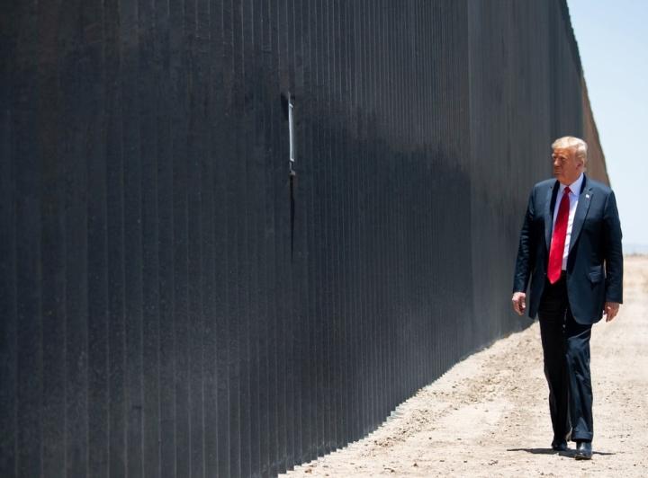 برنامه رئیس جمهور ترامپ برای آخرین روزهای کاخ سفید - 1