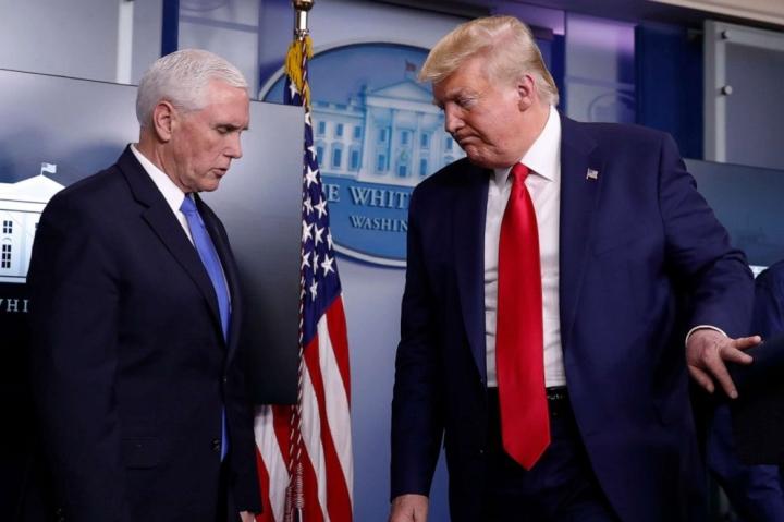 ترامپ و معاون رئیس جمهور پنس پس از تقریباً یک هفته