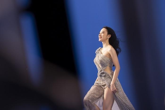 Sau 3 năm rút khỏi showbiz, Angela Phương Trinh tung bộ ảnh kiêu sa, gợi cảm - 8