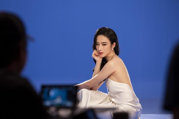Sau 3 năm rút khỏi showbiz, Angela Phương Trinh tung bộ ảnh kiêu sa, gợi cảm - 4