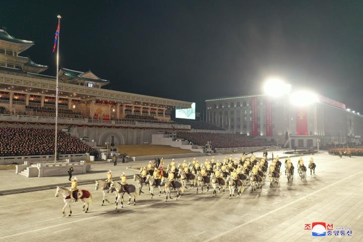 عکس: مجموعه ای از سلاح های به یادماندنی در رژه کره به افتخار کنگره حزب - 12
