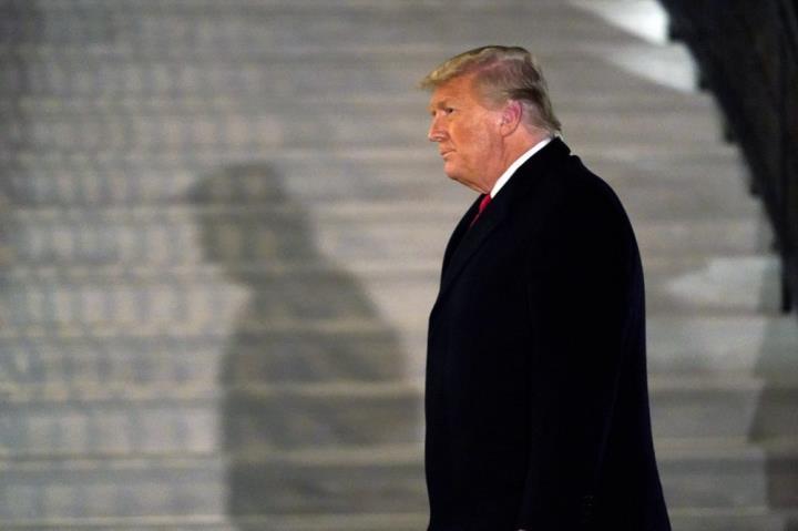 آقای ترامپ واشنگتن را درست قبل از روی کار آمدن بایدن ترک کرد