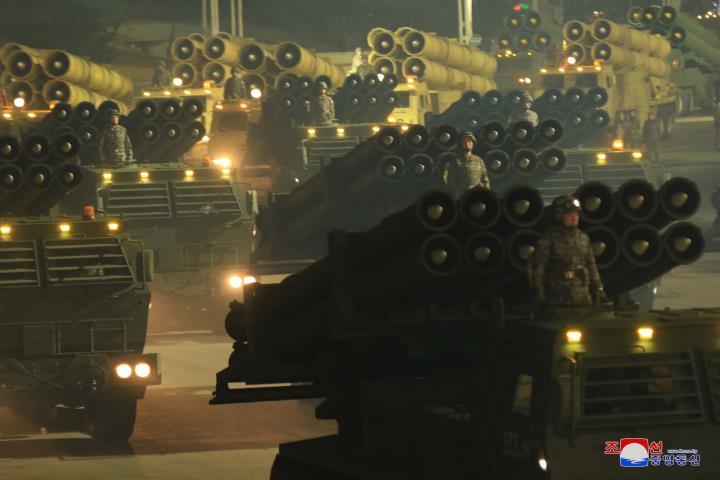 Ảnh: Dàn khí tài hoành tráng trong lễ duyệt binh Triều Tiên kỷ niệm đại hội đảng