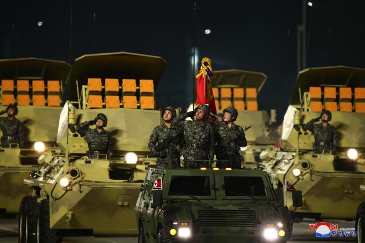 عکس: مجموعه ای از سلاح های به یادماندنی در رژه کره به افتخار کنگره حزب - 10