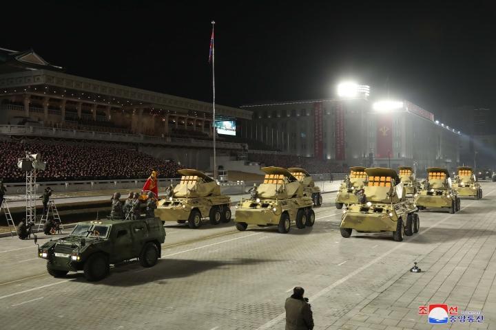 عکس: مجموعه ای از سلاح های به یادماندنی در رژه کره به افتخار کنگره حزب - 3