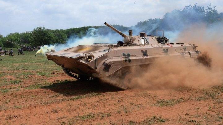 هند BMP-2 را به یک روبات و تفنگ خودران تبدیل کرده است - 1
