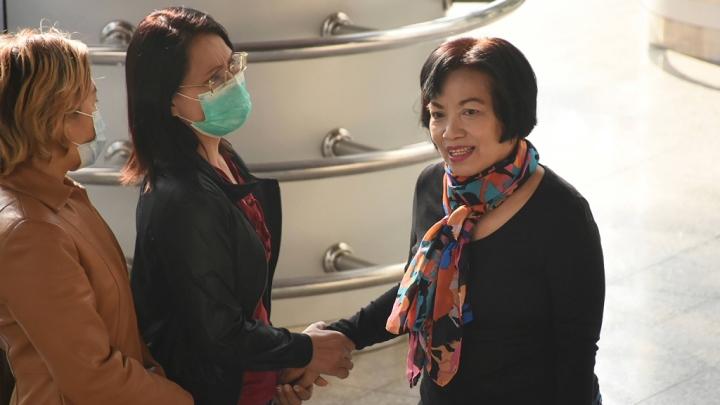 یک زن تایلندی به اتهامات نظامی به بیش از 40 سال زندان محکوم شده است - 1