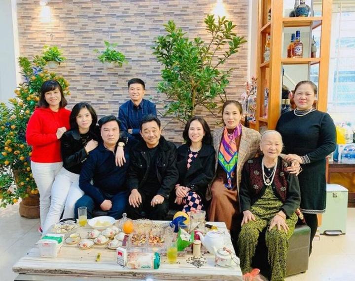 Cuộc sống kỳ lạ của Quốc Khánh - 'trai tân' duy nhất của 'Gặp nhau cuối năm' - 7